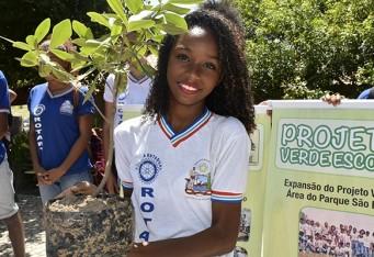 alunos-do-colegio-rotary-plantam-mudas-no-abaete-32
